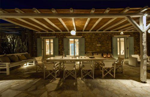 Outside seating area, Villa Mando 2