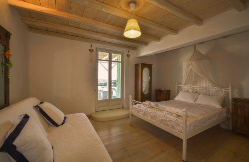 Double bedroom - Maisonette B, Villa Mando 2