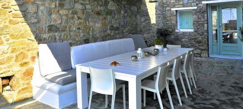 Villa mando 1, Dining area